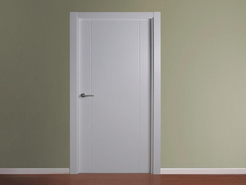 Puerta blanca con cristal instalacin de puerta for Puertas de aluminio con cristal