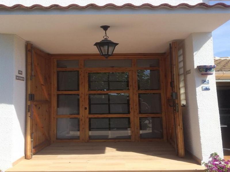 Puertas correderas de madera en Tarragona