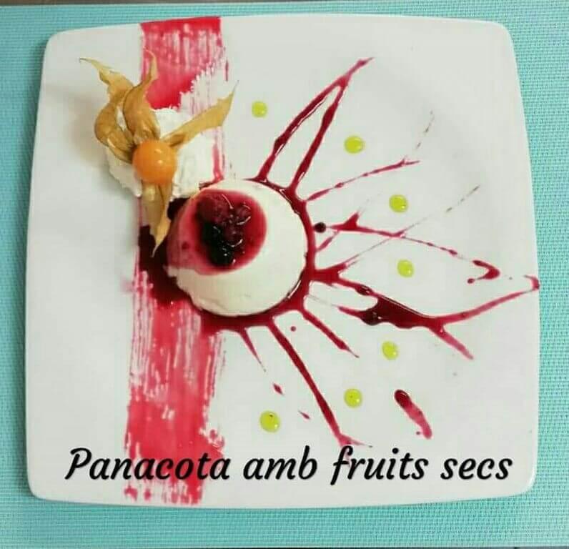 Panacota amb fruits secs