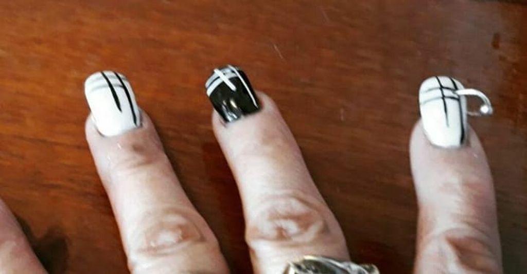 Uñas con pearcing